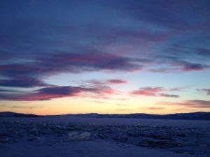 Coucher de soleil sur le Baikal.
